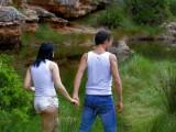 Vidéo porno mobile : Two lovebirds fuck into the wild